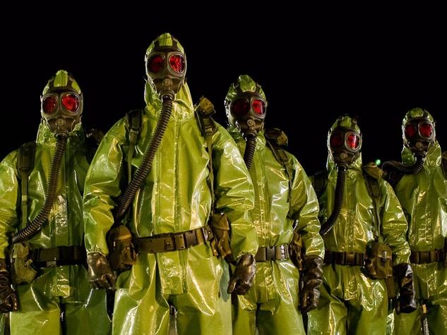 men-in-hazmat-suits_100435